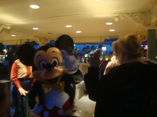 Mickey-at-the-gate