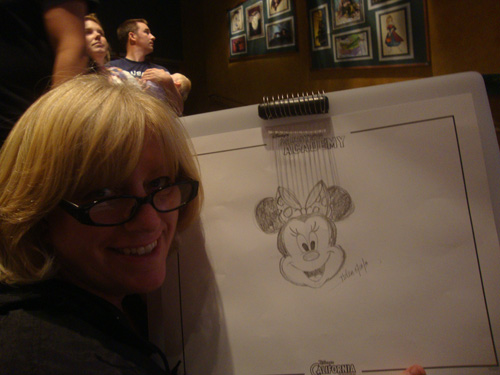 Mom-learning-to-draw-minnie