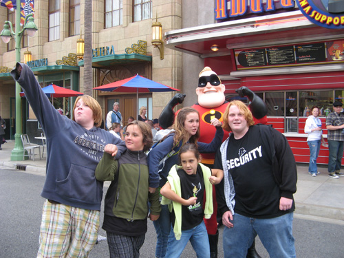 Kids-with-mr-incredible