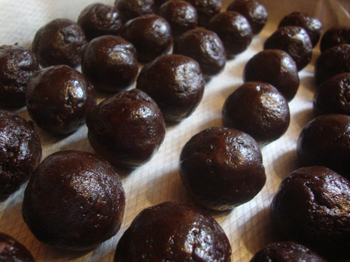 Rolled-brownie-balls-5